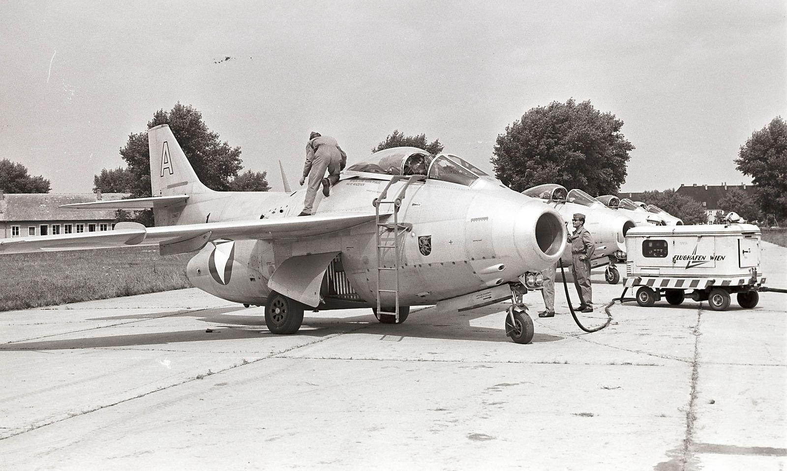 """Saab """"Tunnan"""" in Schwechat, 1960er-Jahre"""