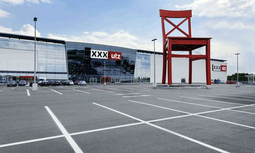 xxxlutz schloss abteilung ohne mitarbeiter zu informieren. Black Bedroom Furniture Sets. Home Design Ideas