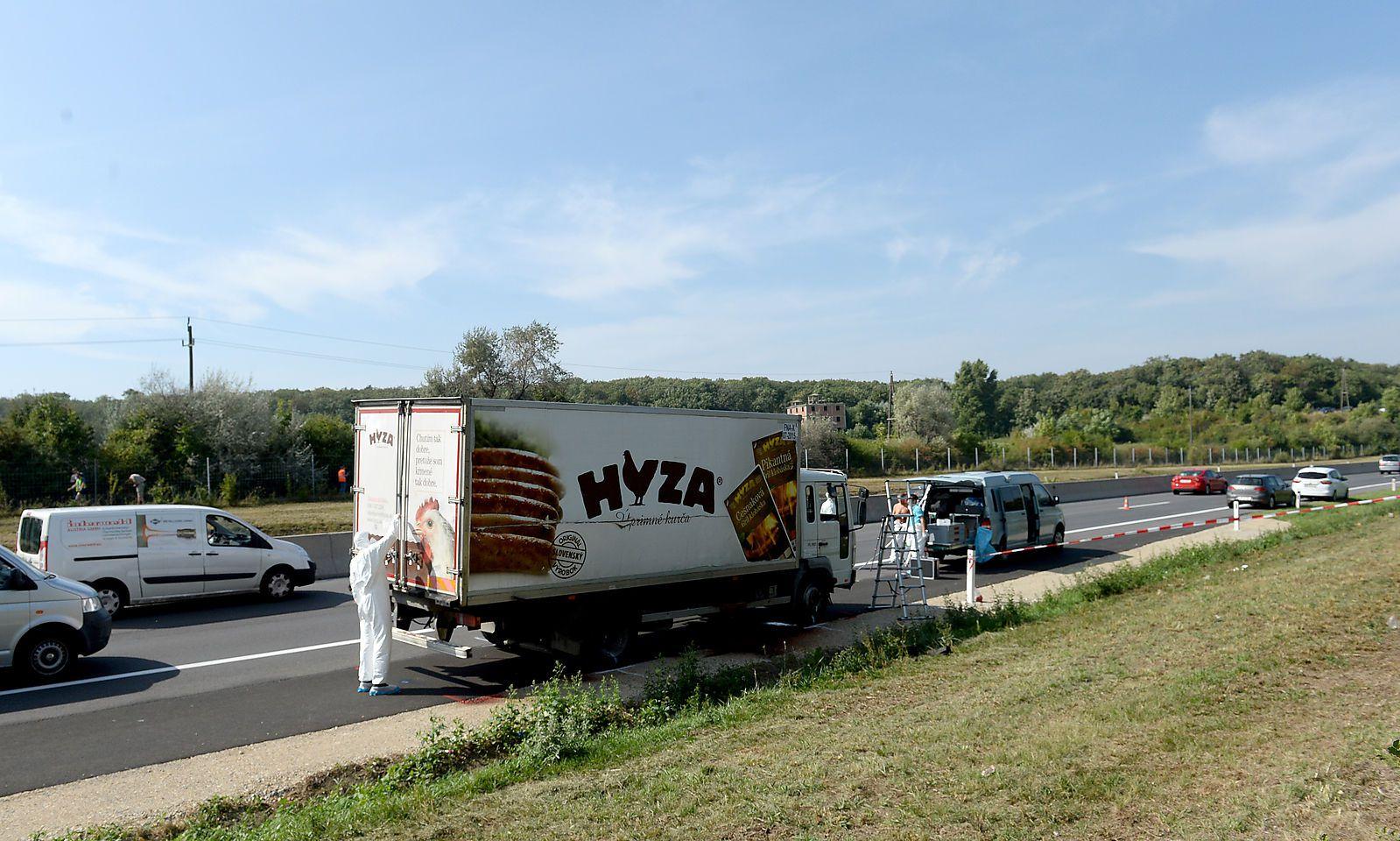 Der im August 2015 an der Ostautobahn abgestellte Lkw des Grauens