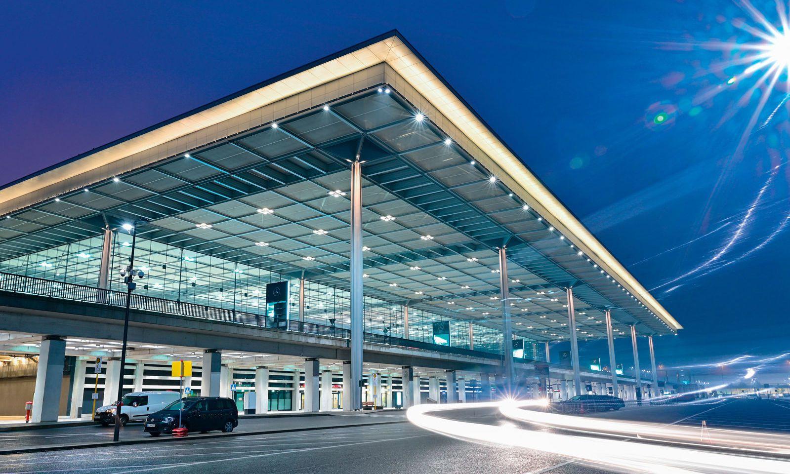 Ein Flughafen, über den man trefflich lachen kann