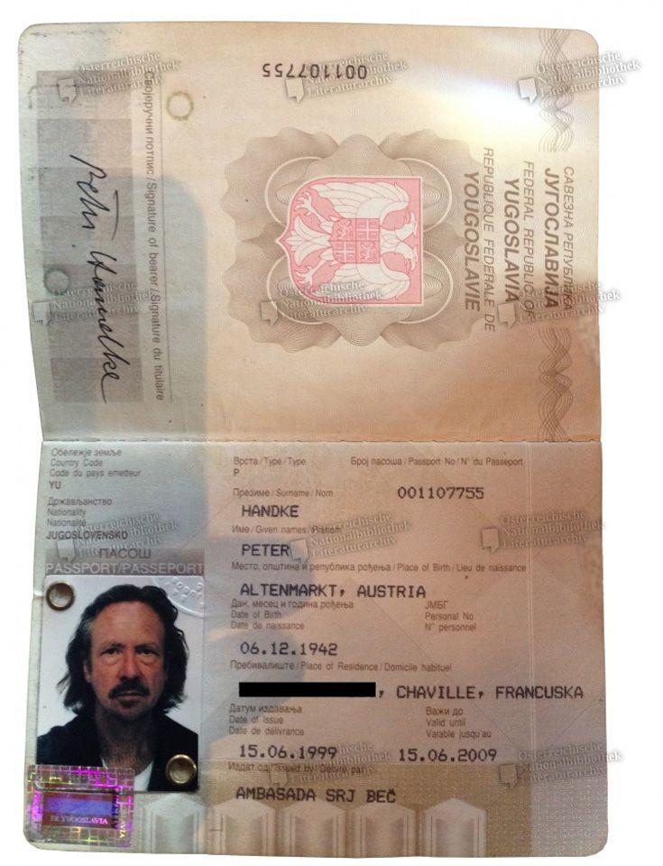 Der Pass wurde 1999 ausgestellt.