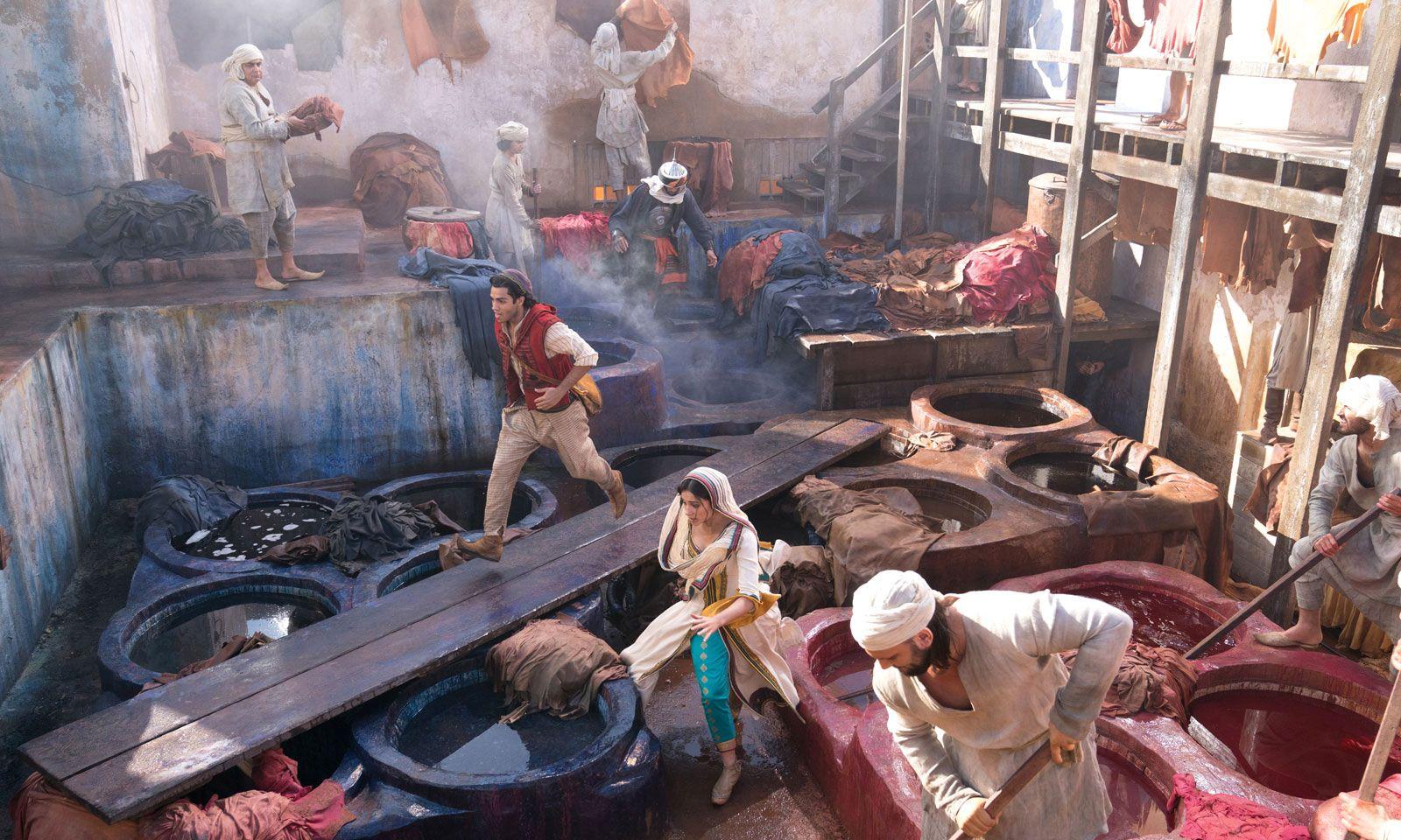 Die Handlung ist in der fiktiven Stadt Agrabah angesiedelt.