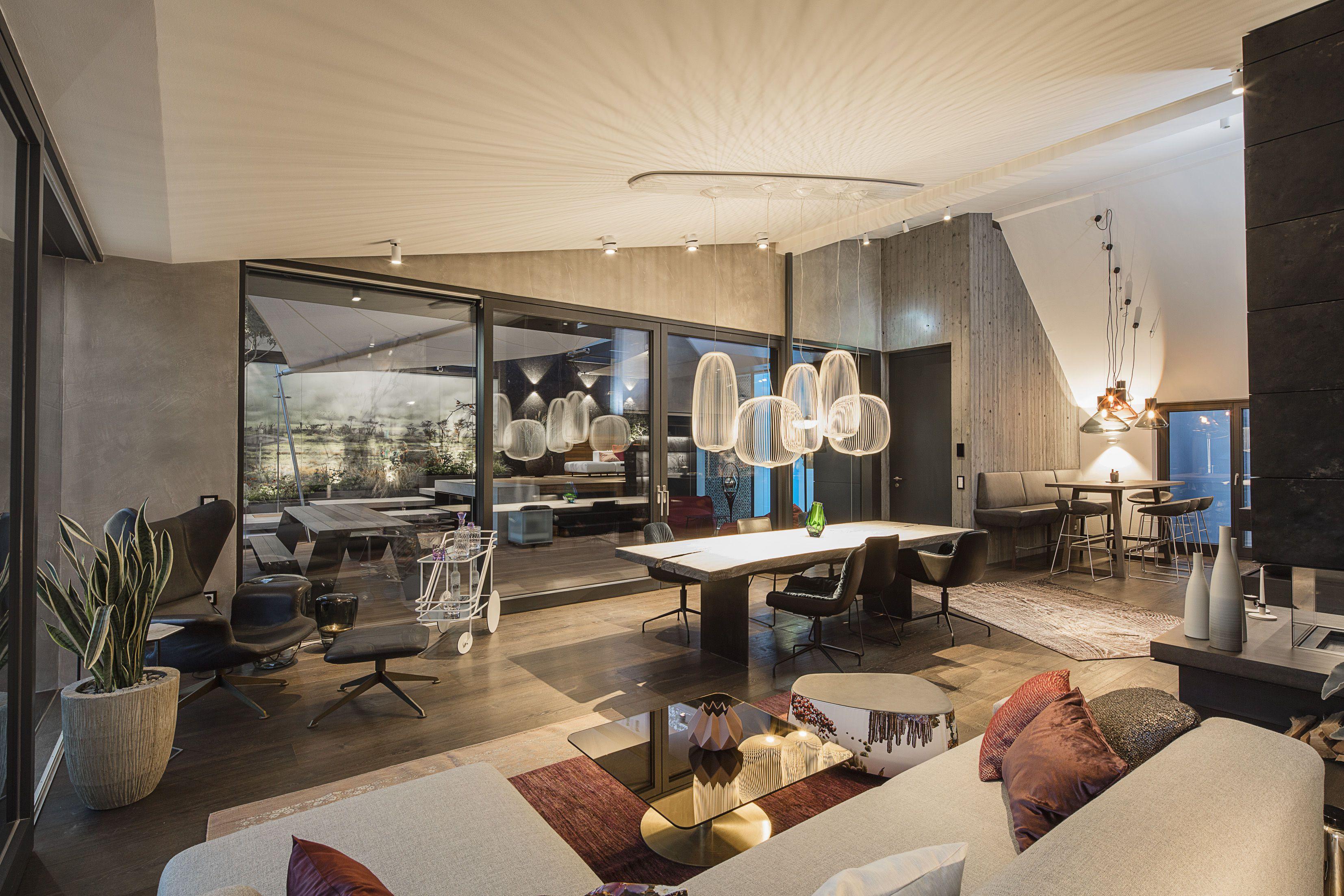Im Formdepot in Wien arbeiten 13 Mitgliedbetriebe zusammen. Sie nutzen das 1400 Quadratmeter große Loft für Dinnerpartys und Kundentermine.