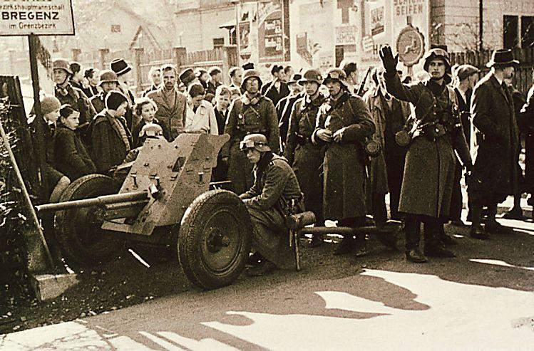 Deutsche mit 37-mm-Pak in Bregenz