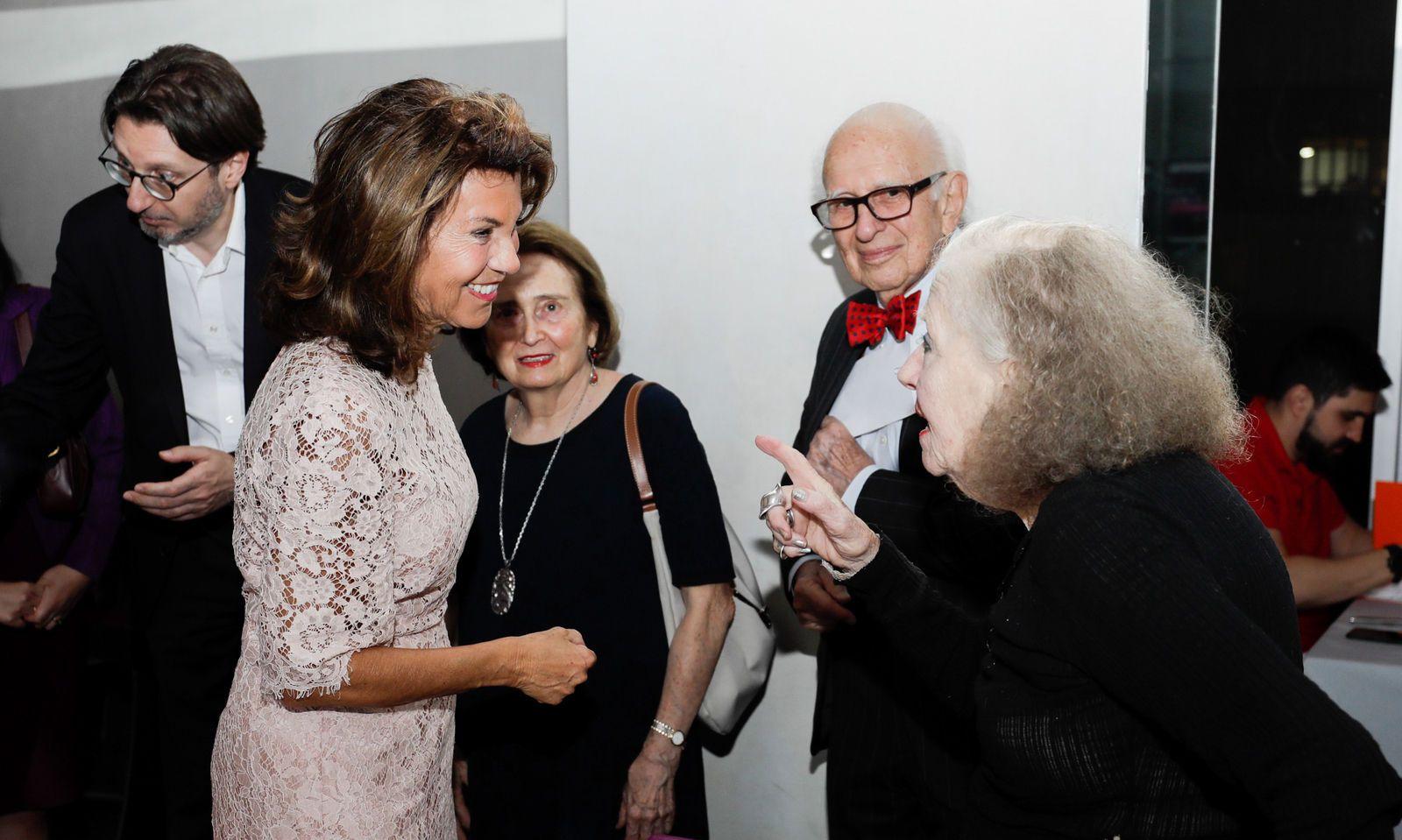 Bundeskanzlerin Brigitte Bierlein (l.), Nobelpreisträger Eric Kandel sowie die Fotografin Lisl Steiner (r.)