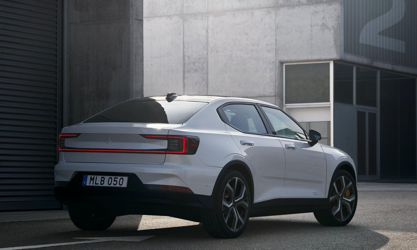 Der Polestar 2 erinnert an aktuelle Volvo-Modelle