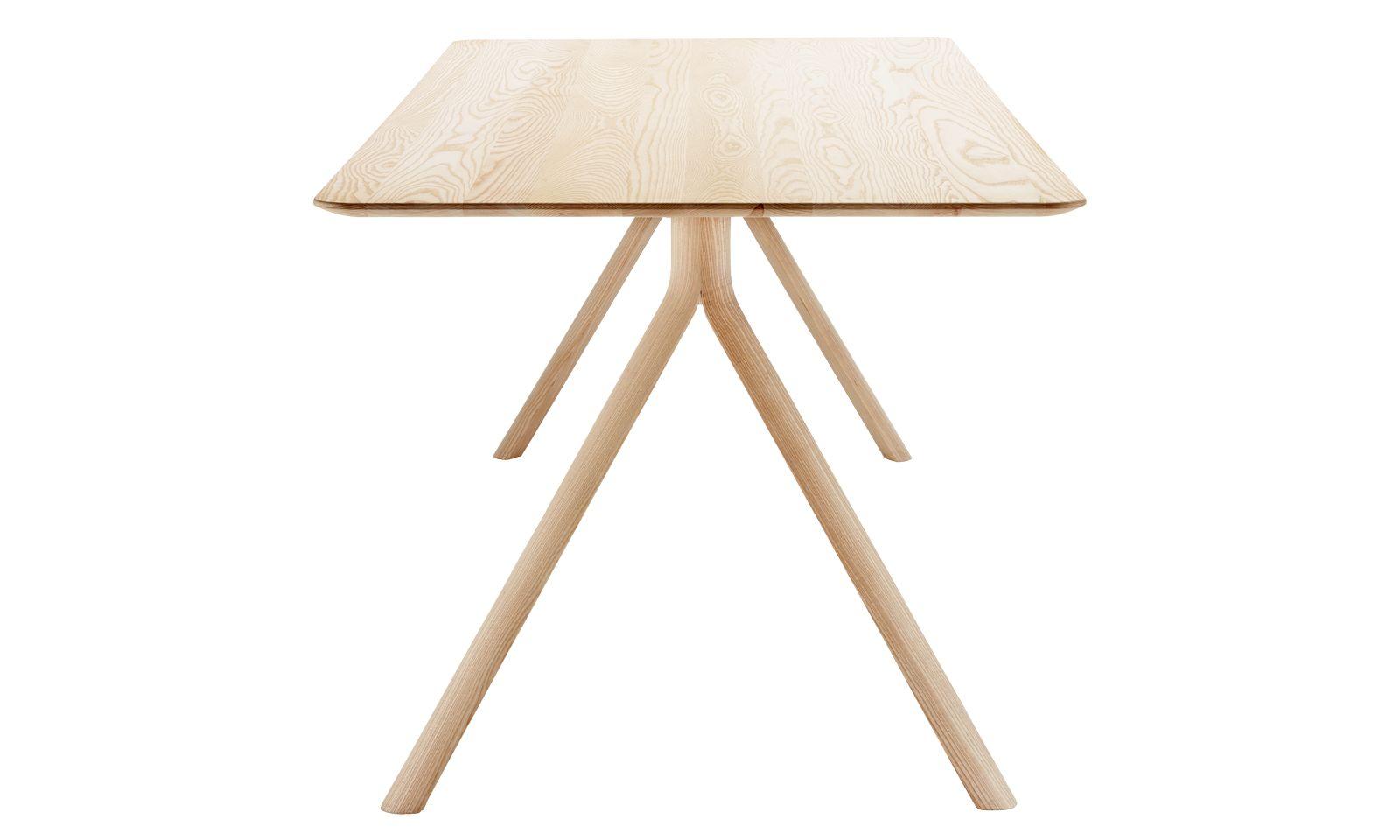"""Klare Linie. Jorre van Ast gestaltete den Tisch """"1060"""" für den Hersteller Thonet."""