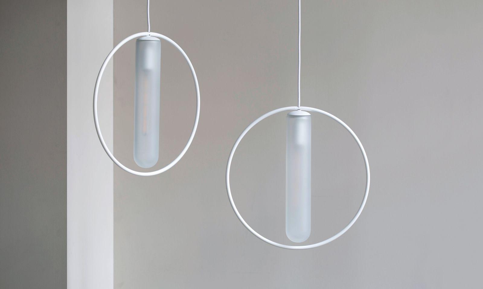 """Lichtring. Die Leuchte """"Astrée"""" entwarf Willmann für den Hersteller Harto."""