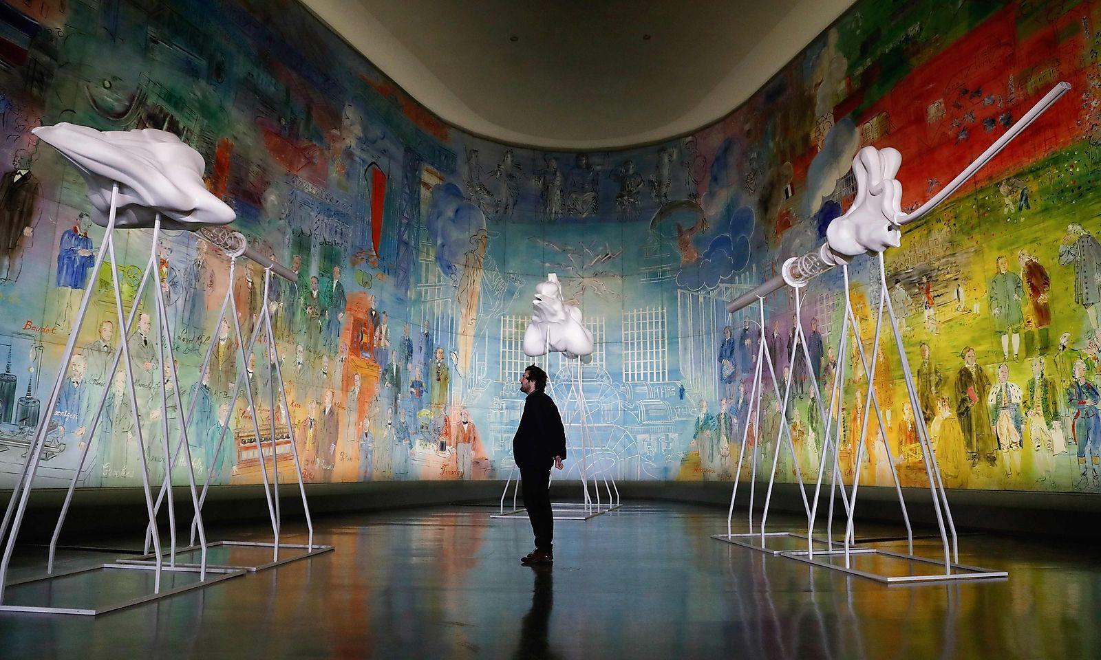 Installation von Marguerite Humeau.
