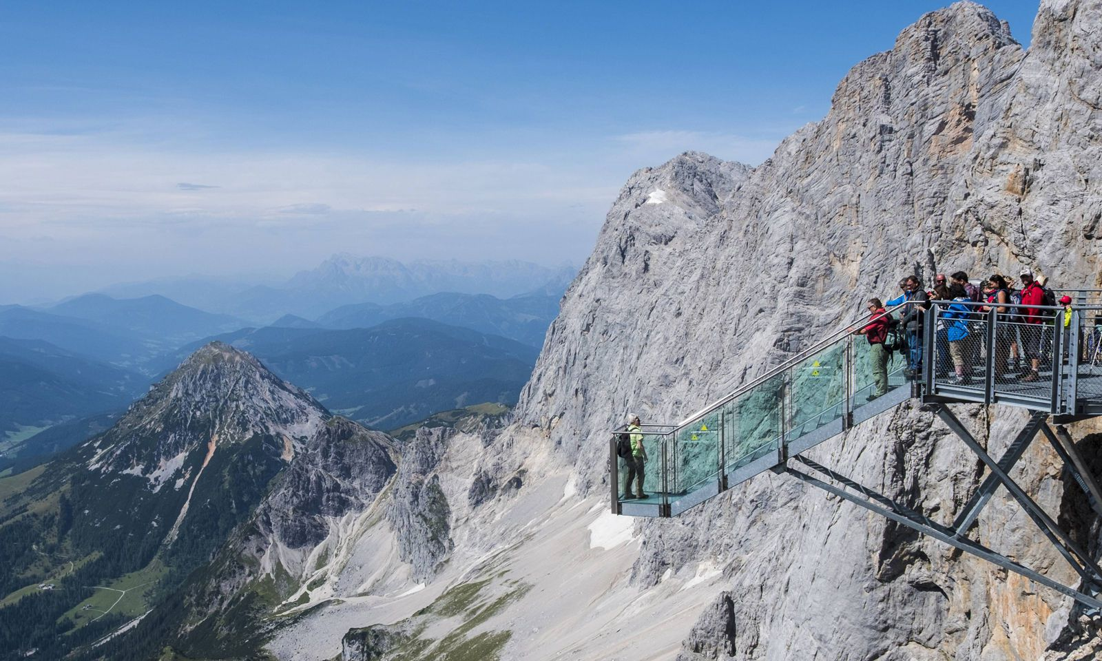 The Path To Nothingness on the Hoher Dachstein in Austria PUBLICATIONxINxGERxSUIxAUTxONLY Copyright