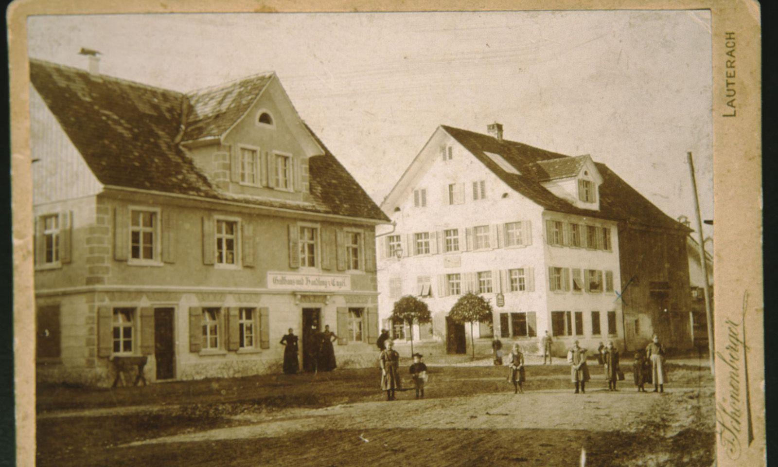 Treffpunkt Engel (links im Bild) um 1900.