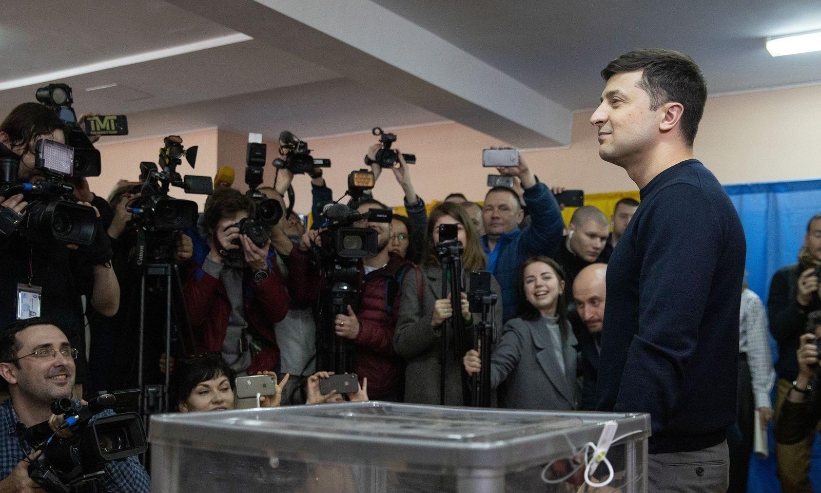 Wolodymyr Selenskij wird in Umfragen auf Platz eins gesehen