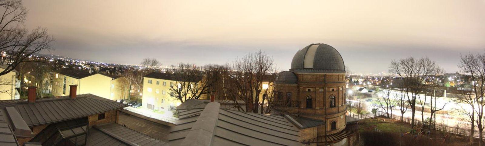 Lichtglocke über Wien von der Kuffner-Sternwarte (6km vom Stadtzentrum)
