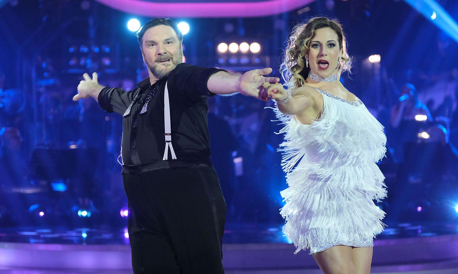 Martin Leutgeb darf endlich tanzen, nachdem er 2017 verletzungsbedingt noch vor dem Start der Sendung ausscheiden musste.