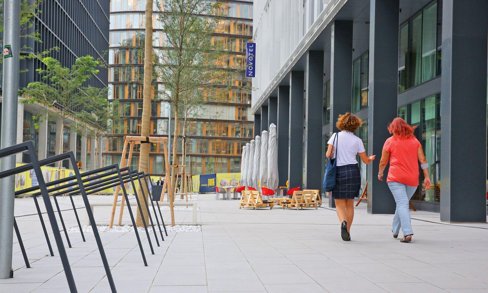 In den Erdgeschoßzonen sollen Lokale für eine lebendige Atmosphäre im Stadtquartier sorgen.