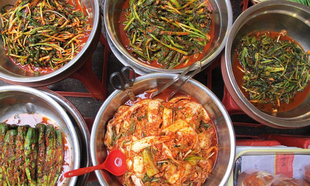 Saisonal. Die Kimchi-Auswahl auf den Märkten ist riesig. Und Kimchi allgegenwärtig.