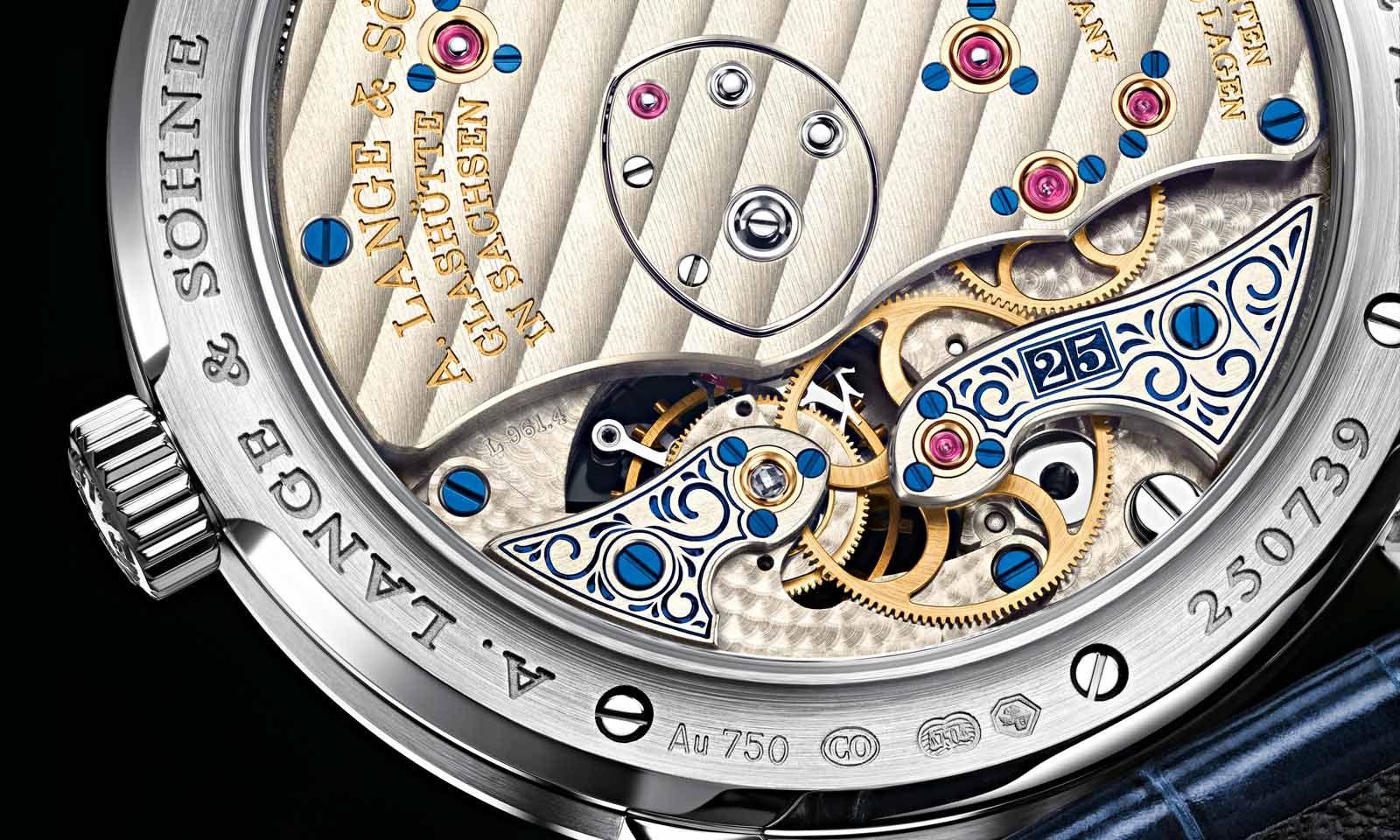 Glashütter Uhrmacherkunst. Das Handaufzugskaliber L961.4 besticht durch Schönheit und Funktionalität.