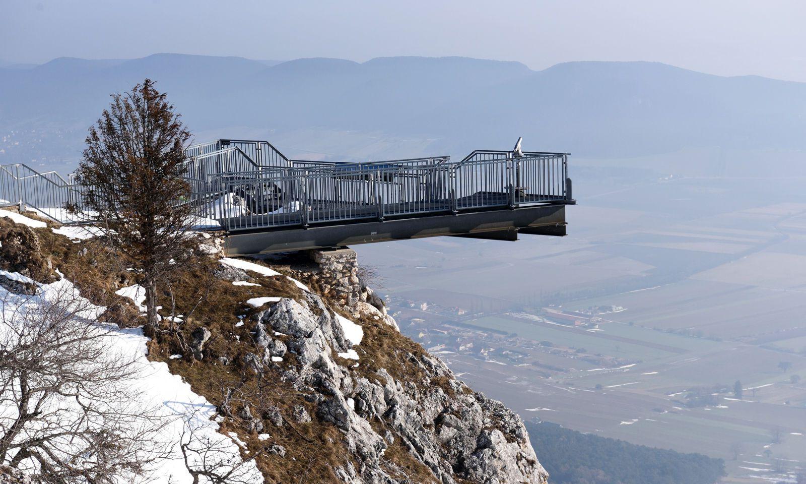 """Zum Abschluss zum In-die-Ferne-Blicken auf die Aussichtsterrasse """"Skywalk""""."""