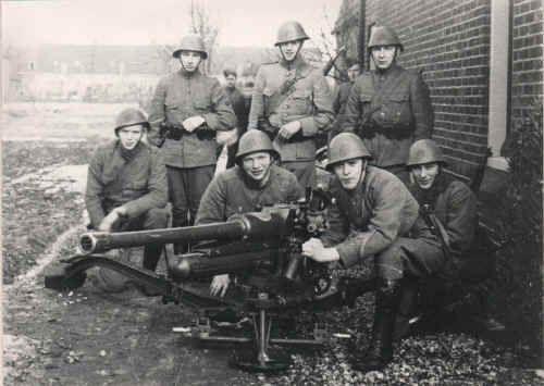 Niederländer mit Lizenzbau der 47-mm-Kanone von Böhler