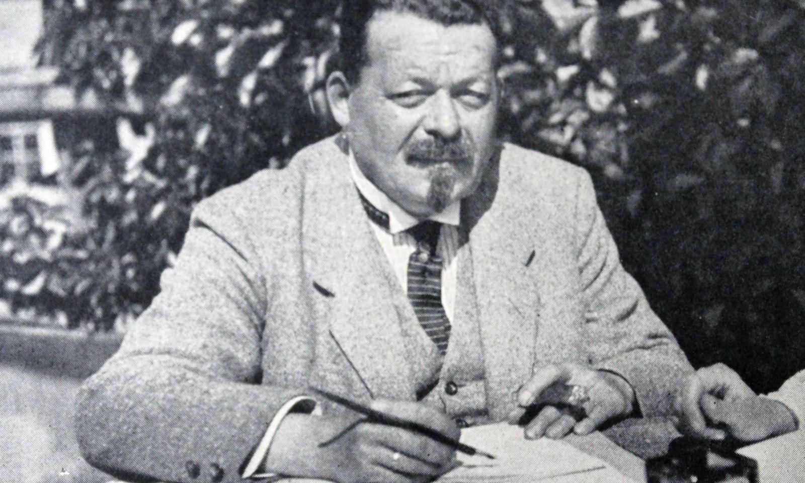 SPD-Chef Friedrich Ebert wird erster Reichspräsident der Weimarer Republik.