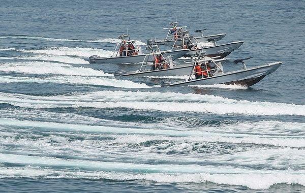 """Iranische Schnellboote Typ """"Boghammar"""""""