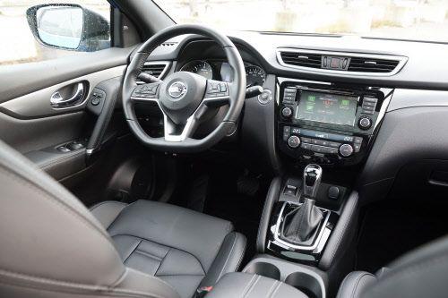 Tekna plus heißt bei Nissan: Alles an Ausstattung, was reinpasst.