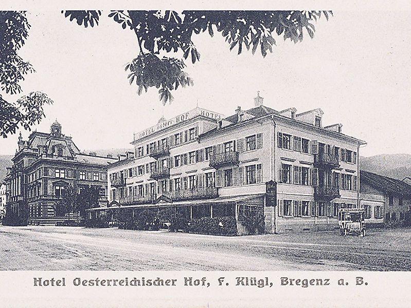 Der Ort der Vorarlberger Unabhängigkeitserklärung am 3. November 1918. Heute steht dort das Kunsthaus Bregenz. Links außerhalb des Bildes ist in kaum 100 Metern Entfernung der Hafen.