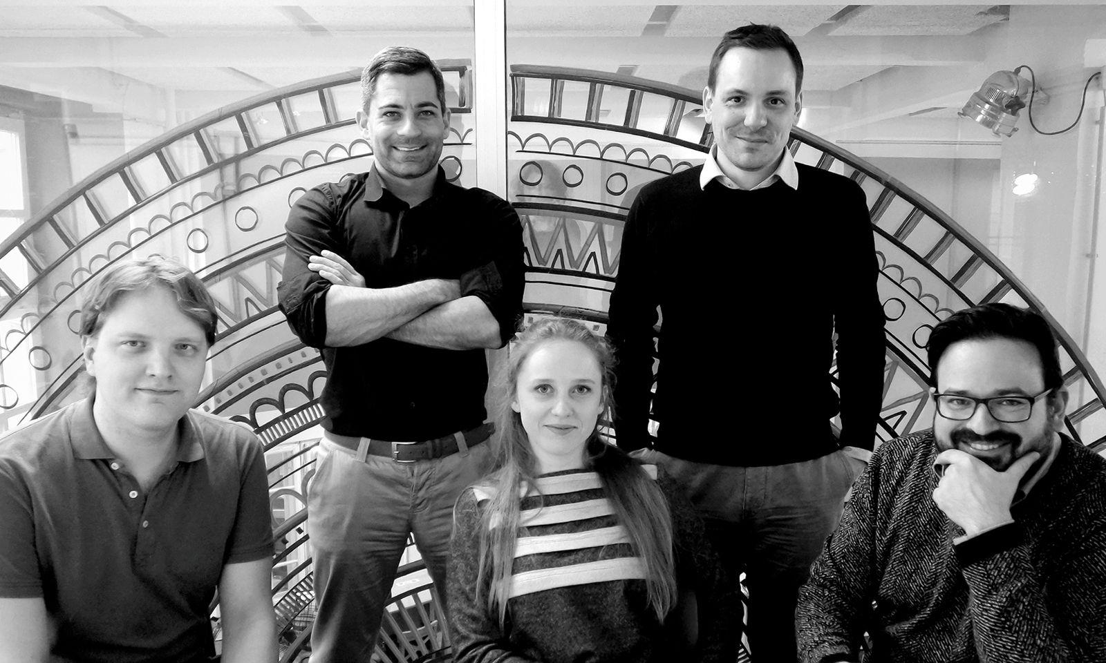 Know-how. Das IFDAQ-Team hat große Ziele. V.l.n.r.: Raimund Homann, Markus Übeleis, Iva Mirbach, Daryl de Jori, Fréderic Godart. www.ifdaq.com