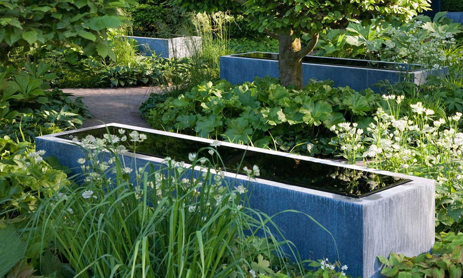 Hat Platz im kleinsten Garten: Wassertisch.