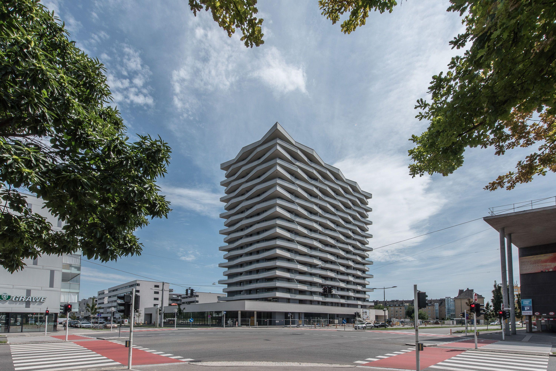 18 Geschoße fasst der 61 Meter hohe Wohnbau an der Kreuzung Lastenstraße und Edeltraud-Hofer-Straße