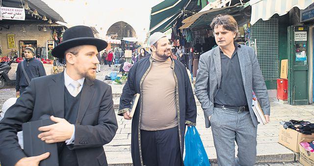 Außenpolitik-Chef Christian Ultsch begleitete den Imam und den Rabbi auf ihrer Reise, die fotografisch von Florian Rainer festgehalten wurden.