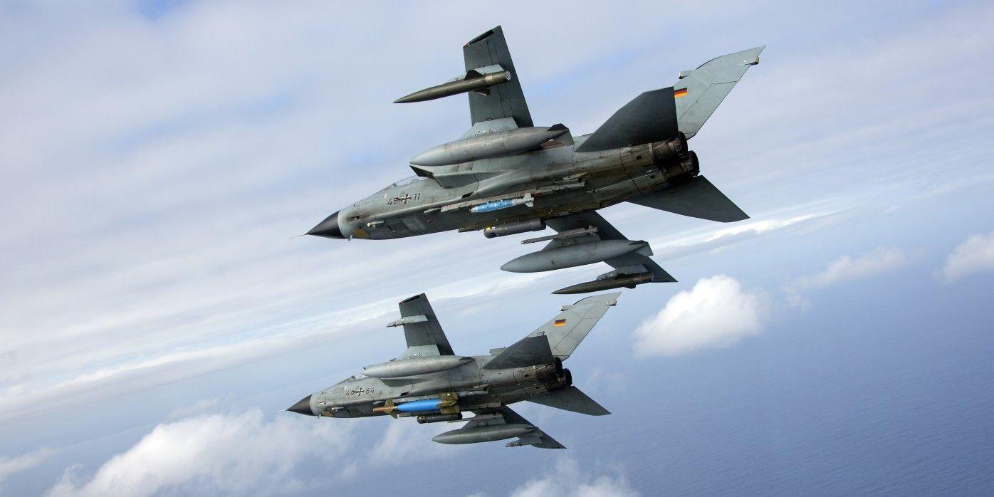 Tornados mit lasergelenkten Bomben bei Übung über Südafrika, März 2017