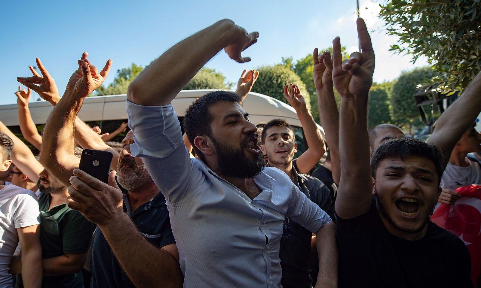 TURKEY-DEMO-POLITICS-REFUGEES