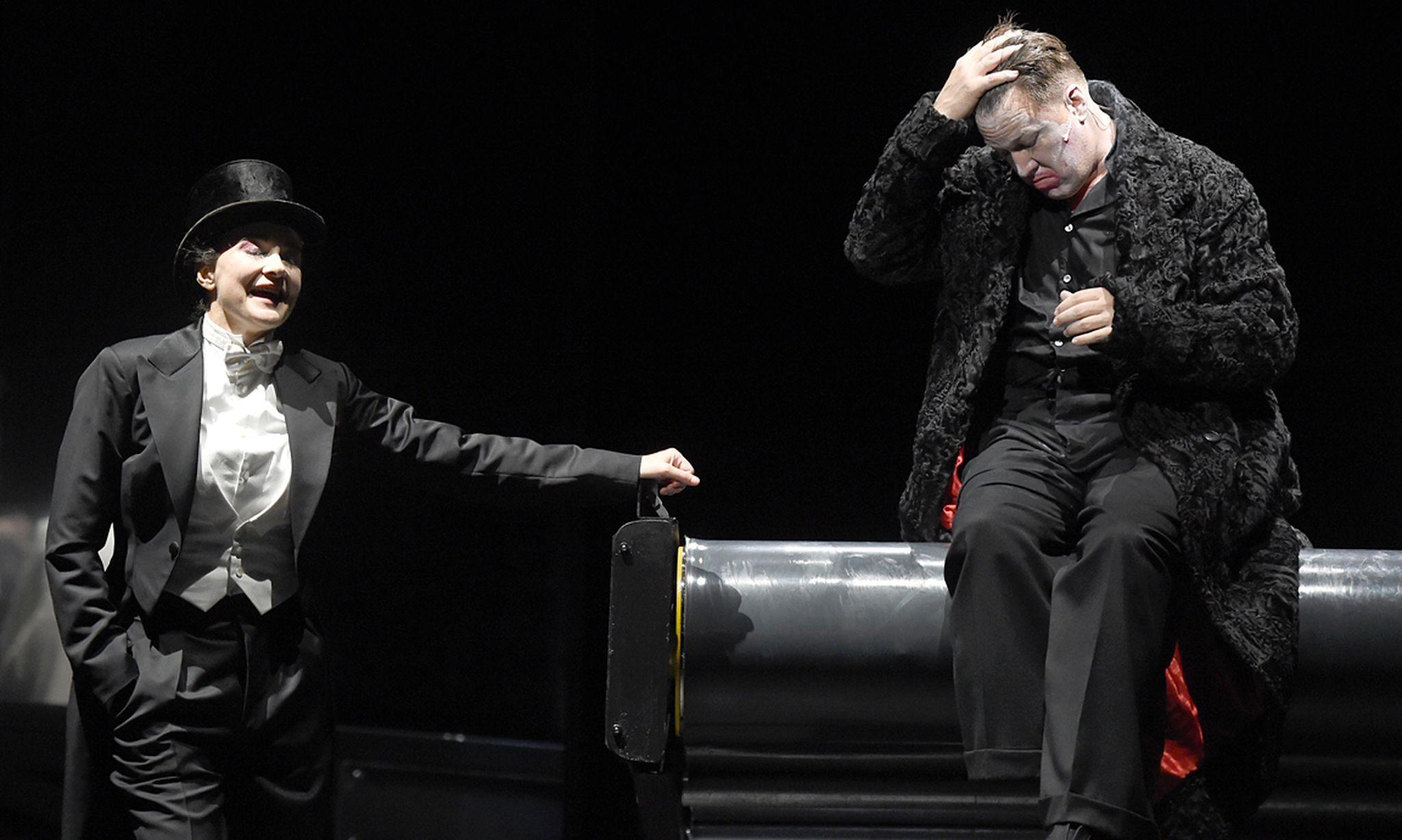 Sylvie Rohrer (Dora Martin) und Nicholas Ofczarek (Hendrik Höfgen)