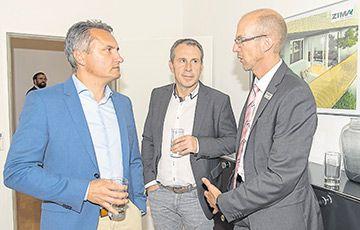 © Klaus Titzer/Zima Die anwesenden Gäste nutzten die Gelegenheit zum Austausch.