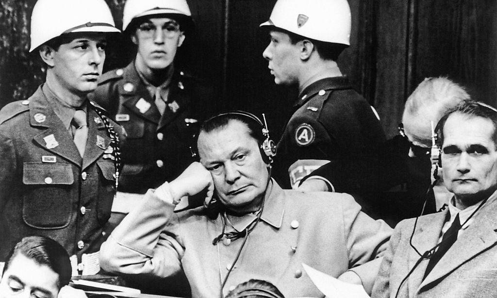Ein sichtlich gelangweilter Hermann Göring während des Prozesses