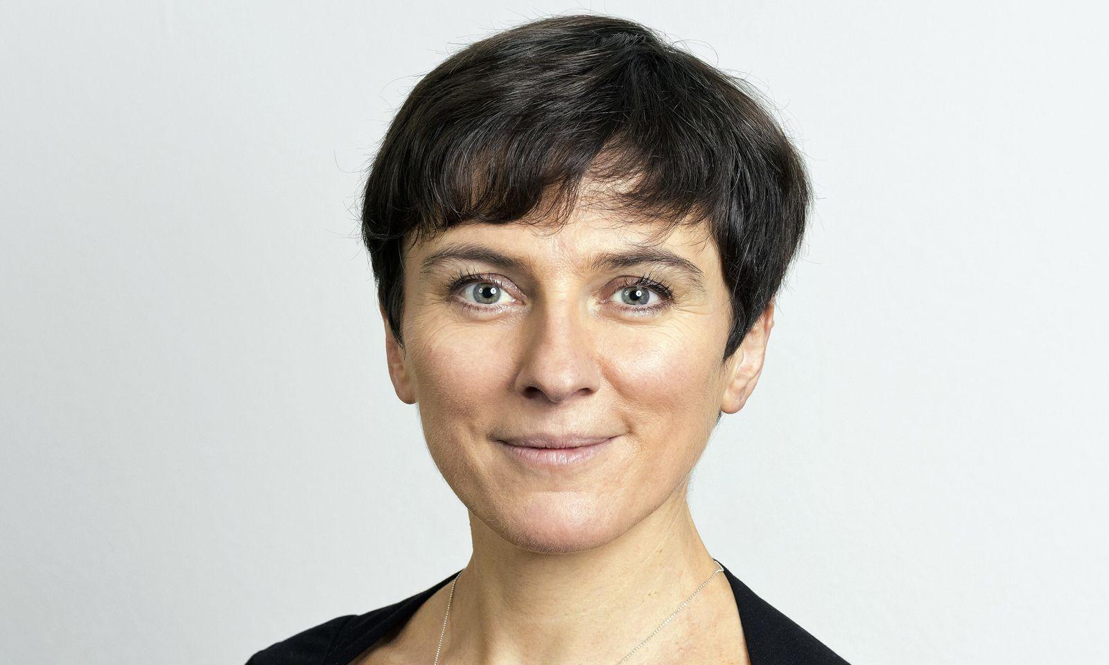 Elisabeth Oberzaucher, Verhaltensbiologin, Forschungsschwerpunkte: Mensch-Umwelt-Interaktionen, nonverbale Kommunikation sowie Partnerwahl und Attraktivität.