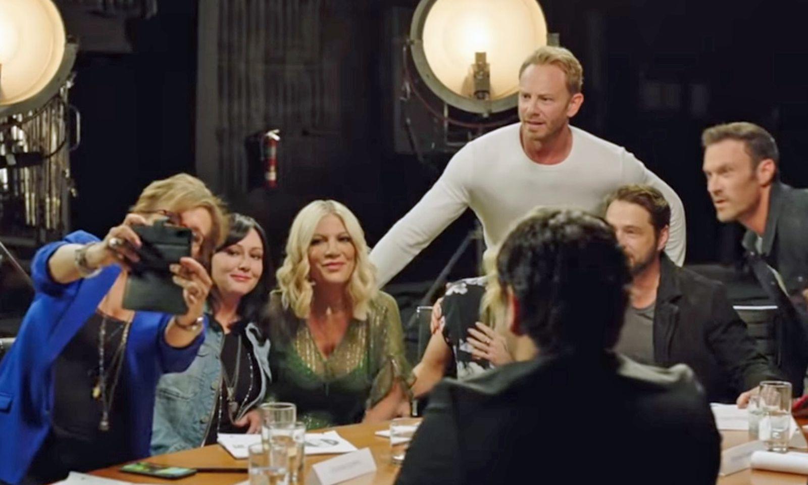 (c) Screenshot FOX Trailer