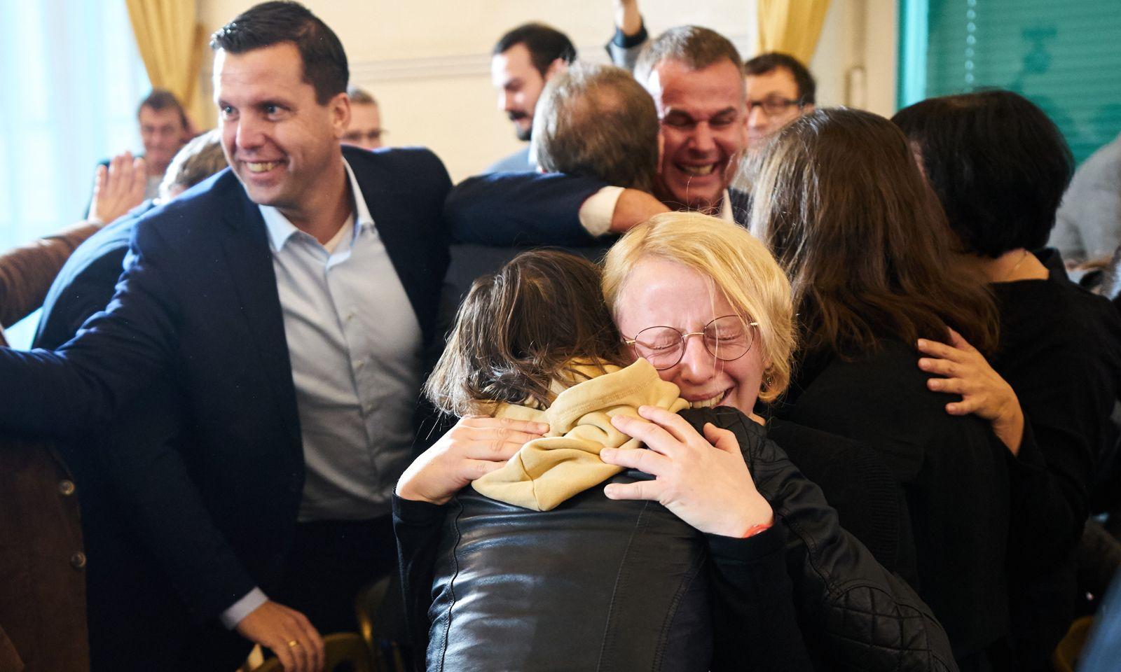Jubel bei der Salzkammergut-Delegation im Kanzleramt: Das Konzept hat gewonnen.