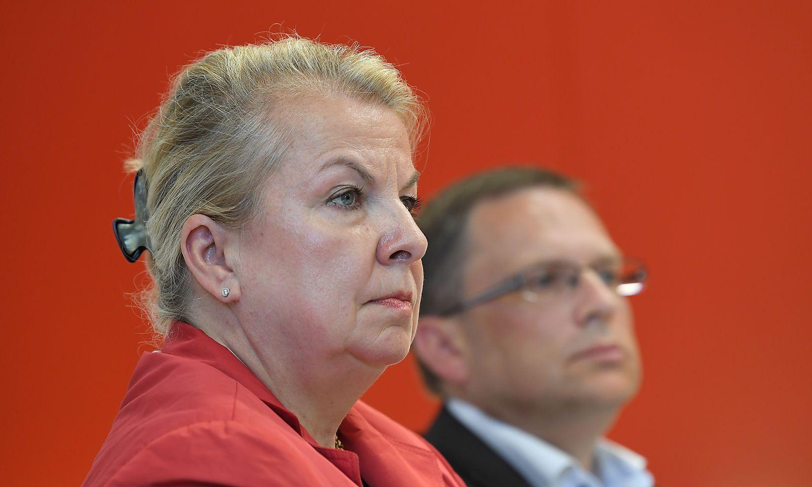 Sozialministerin Beate Hartinger-Klein und ÖVP-Klubchef August Wöginger