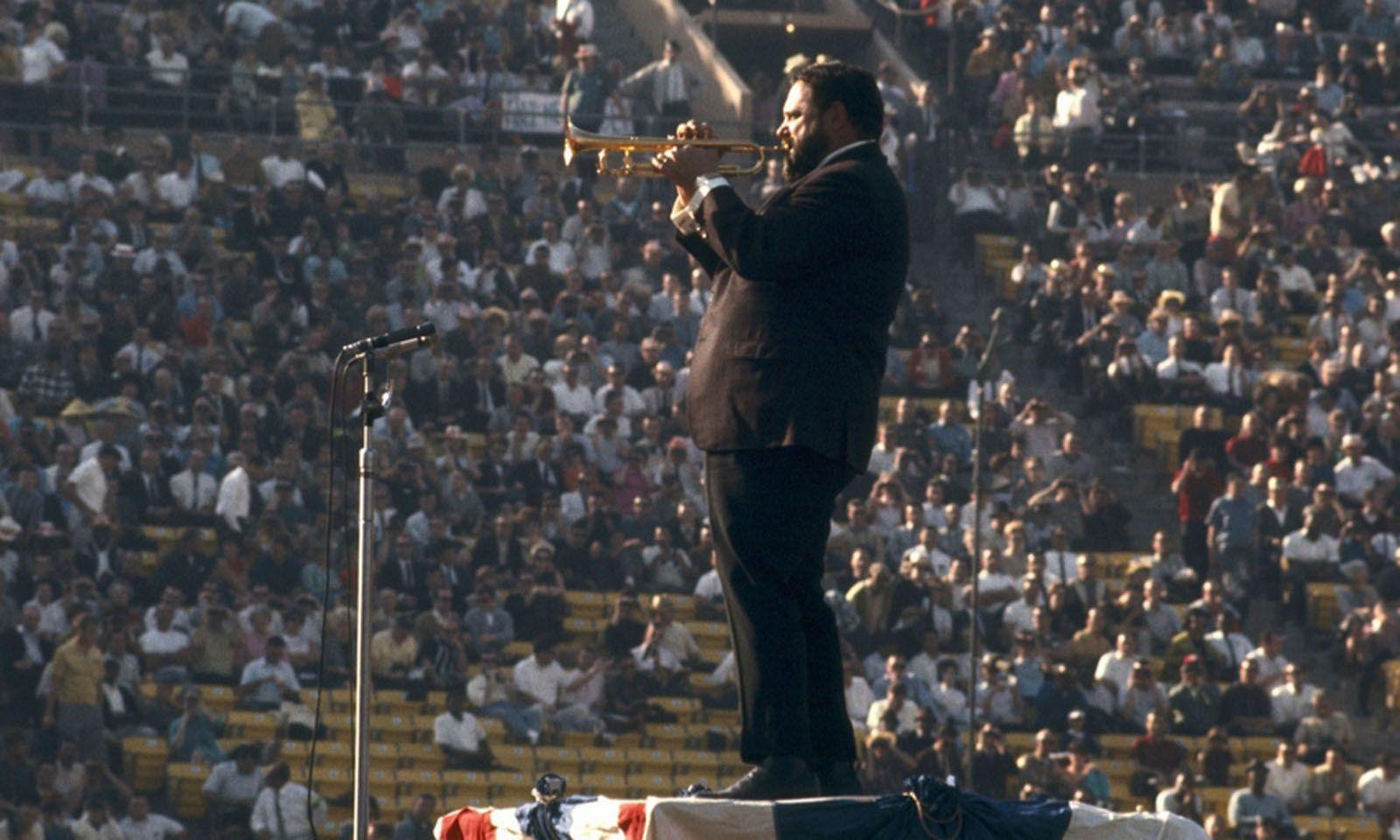 Der Trompeter Al Hirt spielte 1967 die US-Hymne