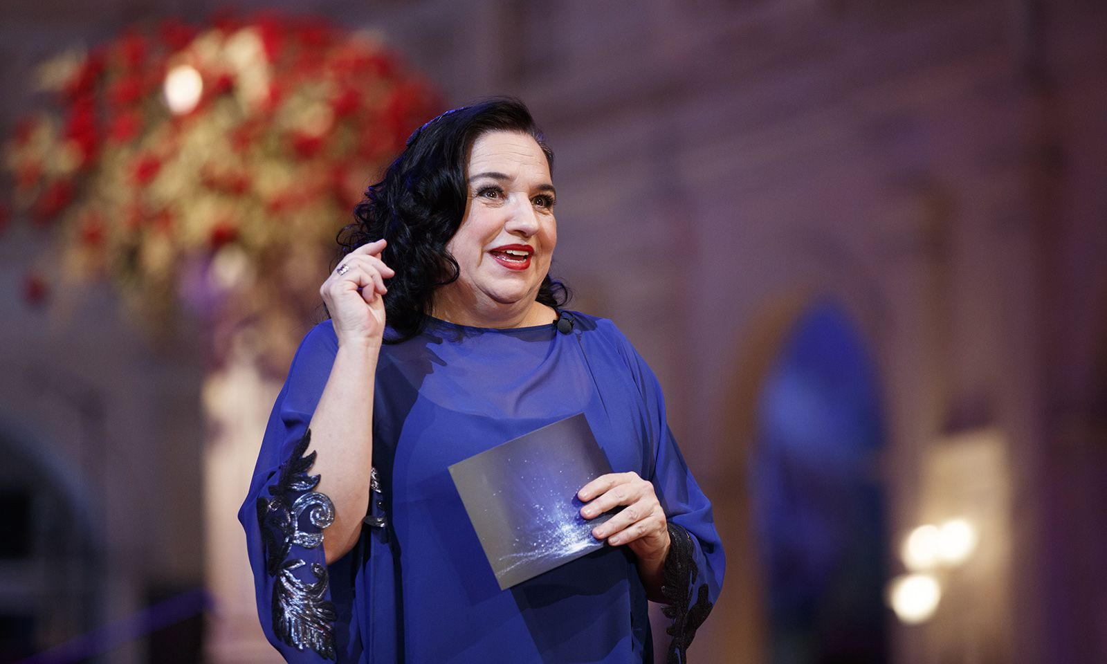 Burgschauspielerin Maria Happel führte bei der mittlerweile 22. Opernredoute als erste Conférencière durch den Abend.