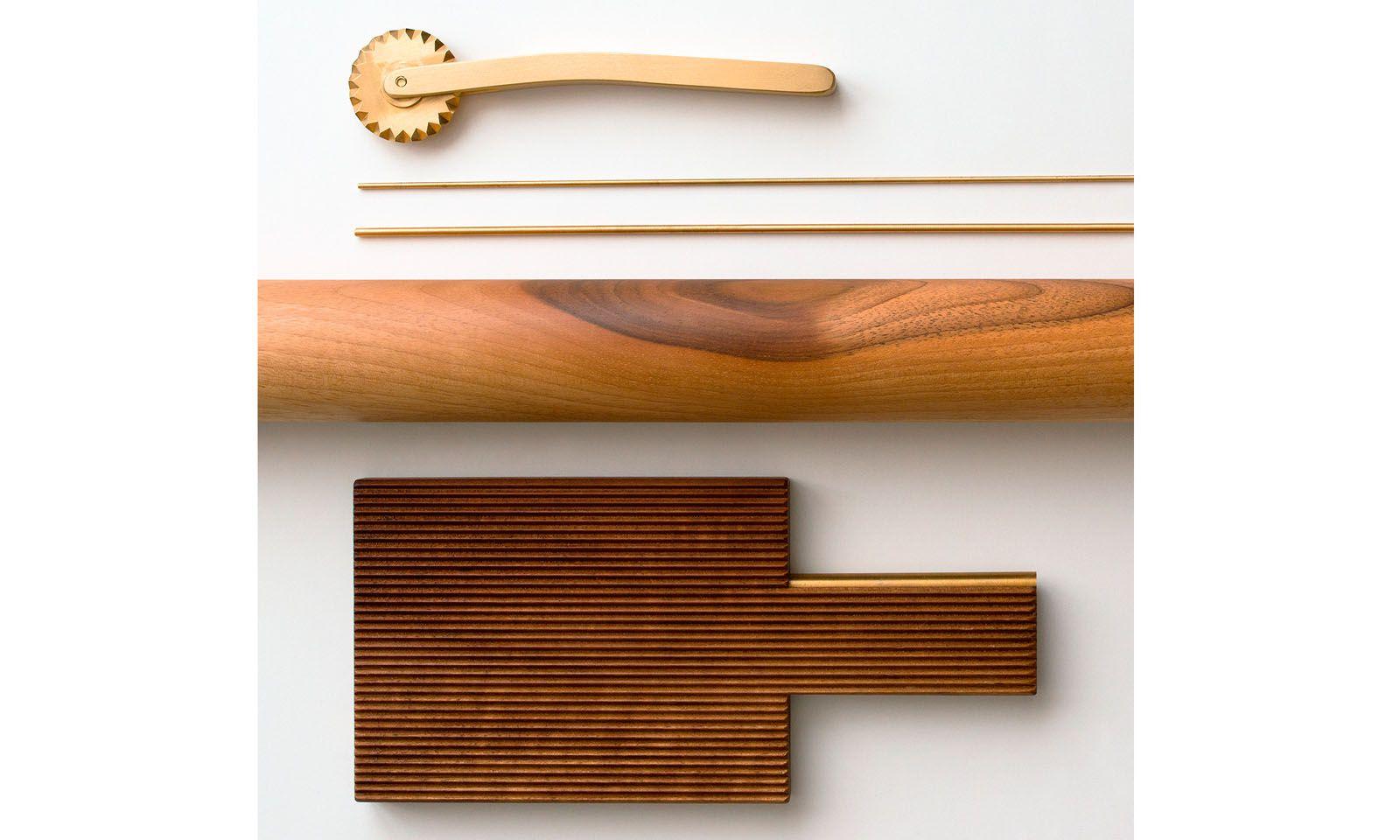 Werkzeug. Teigrächen, Metallstäbchen, Mattarello, Riga-Gnocchi: alles nicht unbedingt nötig.
