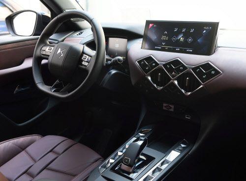 Raute, wohin man sieht: Extravaganz im DS3-Cockpit.