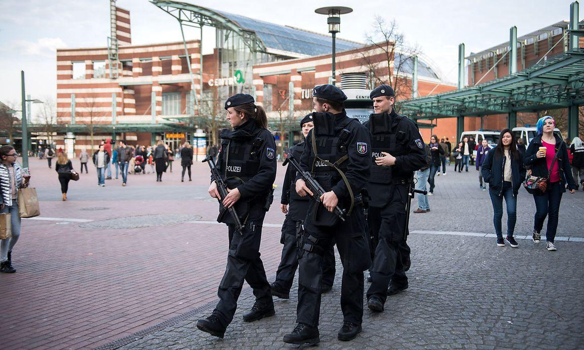 Terroranschlag Twitter: IS Soll In Verhinderten Terroranschlag In Essen Verwickelt