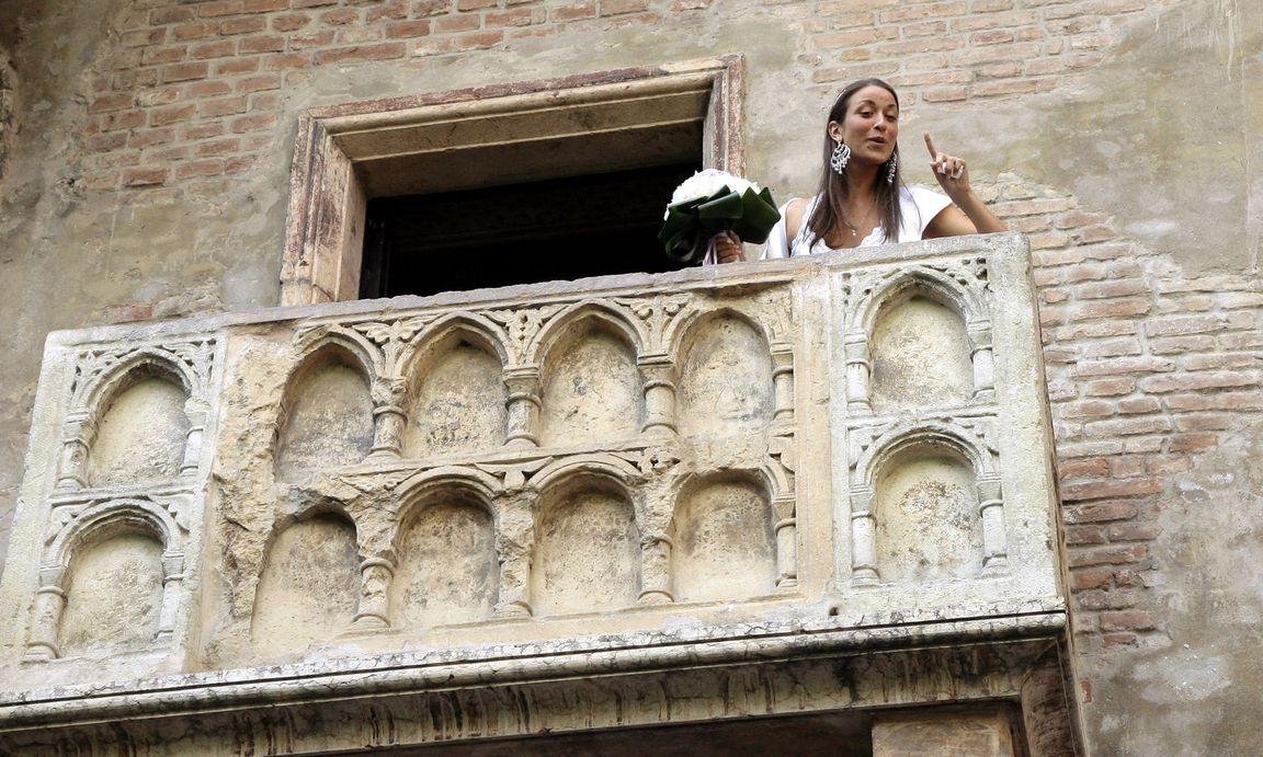 verona balkon von romeo und julia wurde renoviert. Black Bedroom Furniture Sets. Home Design Ideas