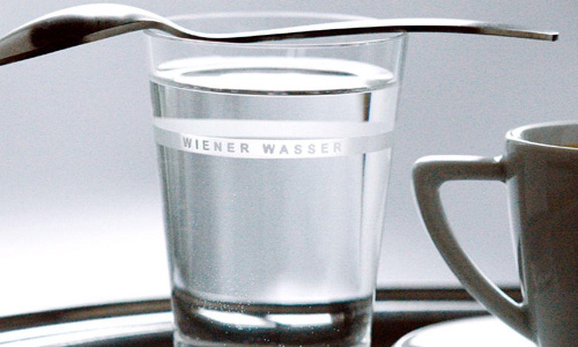 was ist wasserglas wasserglas und glas wasser deutsch. Black Bedroom Furniture Sets. Home Design Ideas