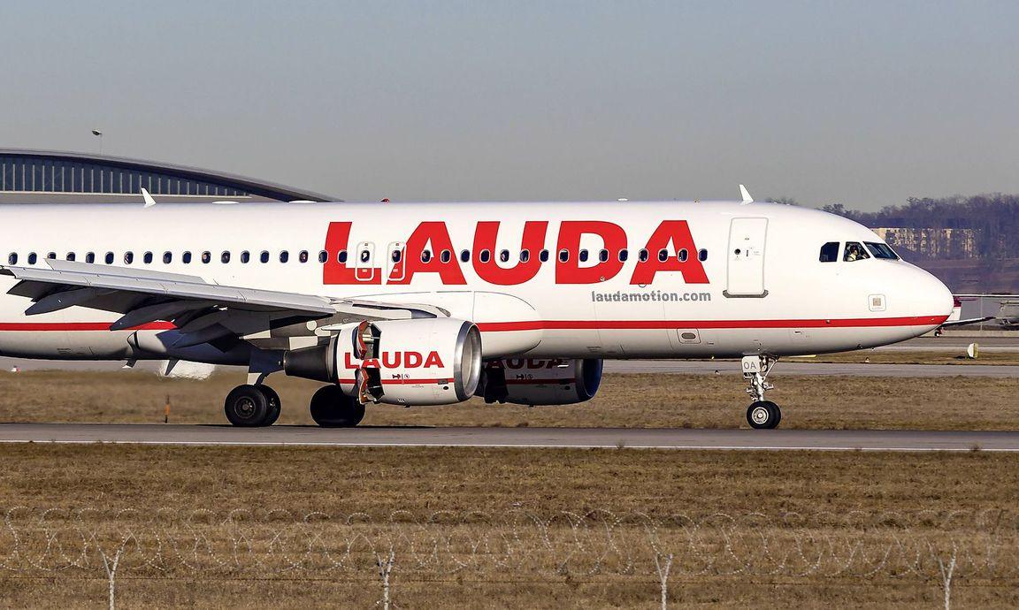 Laudamotion Flugbegleiter