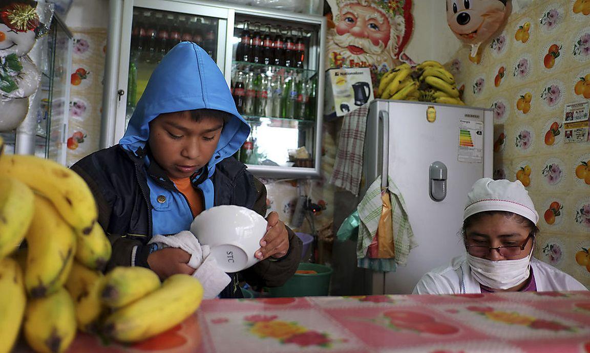 bolivien erlaubt kinderarbeit ab zehn jahren. Black Bedroom Furniture Sets. Home Design Ideas
