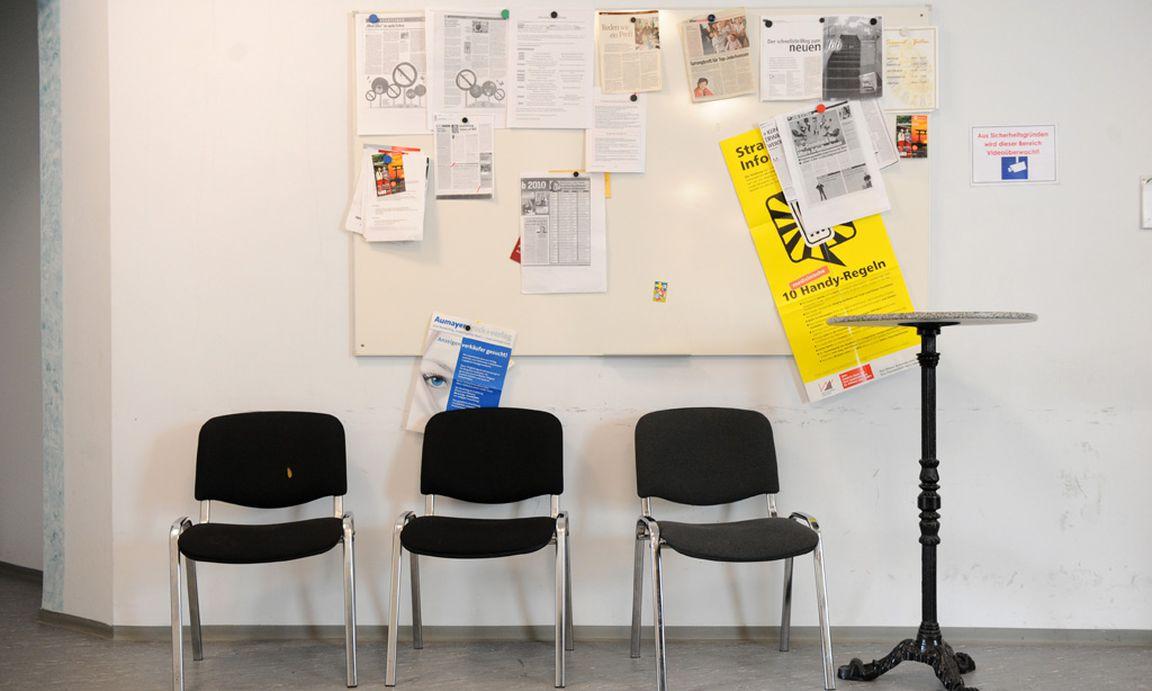 arbeitsmarkt krise kostet eine mio jobs im jahr. Black Bedroom Furniture Sets. Home Design Ideas